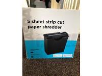 5 sheet strip cut paper shredder