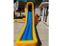 Splash attack water slide/