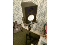 Yamaha hs50m pair active studio monitors inlcuding stands