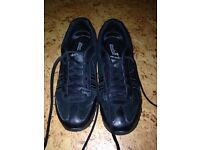 Sketchers trainers black size 6 worn few times