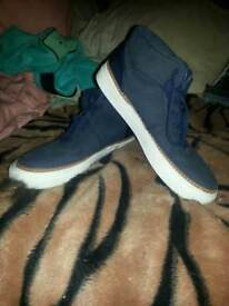 Size 9 men trainers