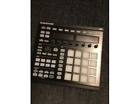 NI Maschine with stand and extra fascia