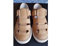 Biys sandals