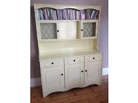 Sideboard (Shabby Chic?!)