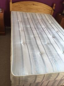 4 ft bed in good condition, good size bed for smaller rooms