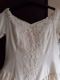 WEDDING DRESS SILK & PEARLS FROM FRENCH DESIGNER PRONUPTIA