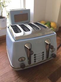 DeLonghi Icona 4 slice toaster in vintage