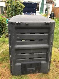Composter/ compost bin