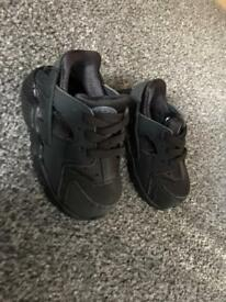 Infant Nike huaraches size 3.5