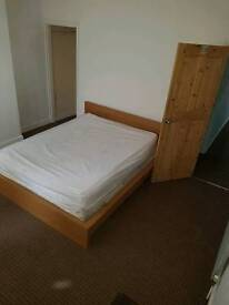Rooms to let (single & double) from £75pw including BILLS in le3 and le4 area