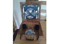 BROOKES WICKER PICNIC BASKET/HAMPER