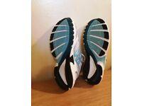 Adidas running shoes size 8 UK - 42 FR.