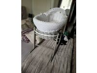 moses basket- grey and white