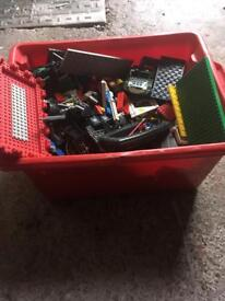 Lego box lotss of sets mixed up in one box