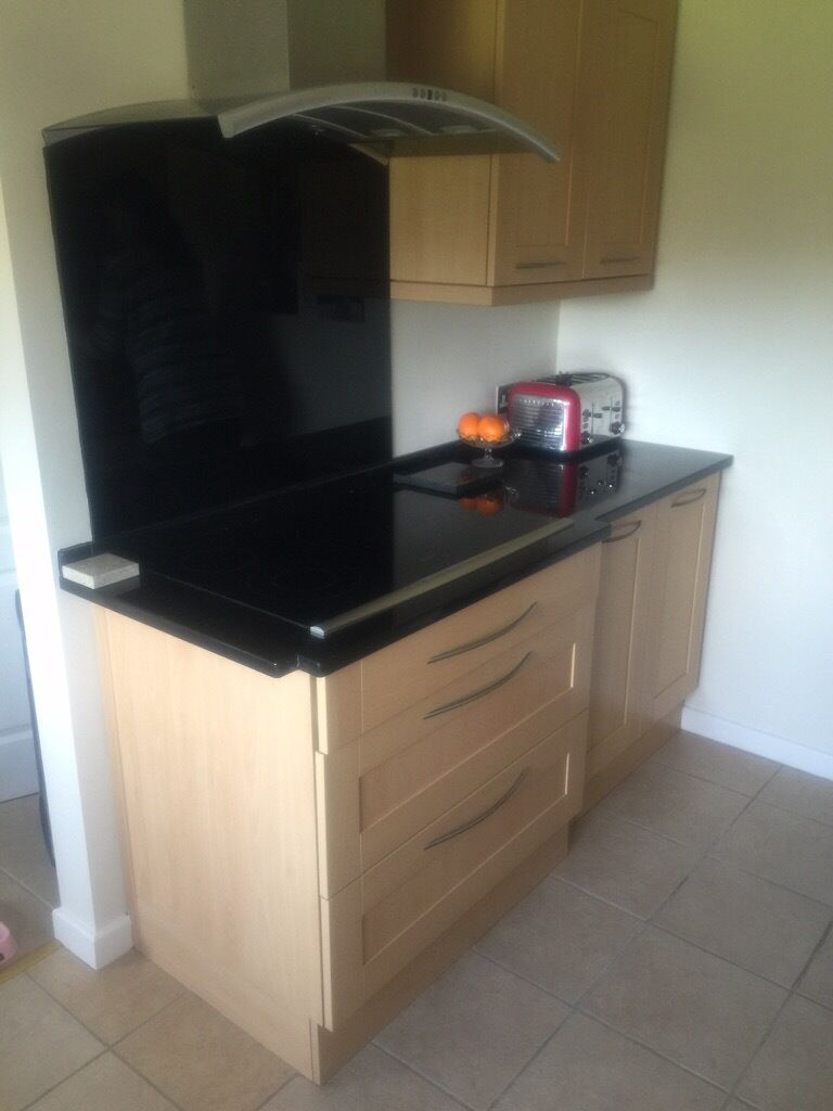 Beech kitchen units with black buy sale and trade ads for Black kitchen units sale