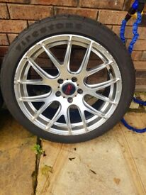 "18"" oz alloys and tyres"