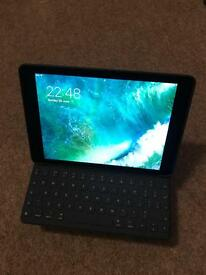 Apple iPad Pro 9.7 128gb space grey wifi and cellular + keyboard case