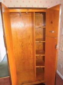 VINTAGE 40s BESCRAFT GENTLEMAN'S WARDROBE IN EXCELLENT CONDITION FREE LOCAL DELIVERY 07486933766