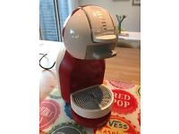 Nescafe Dolce Gusto Mini Me Coffee Capsule Machine by De'Longhi - red and white