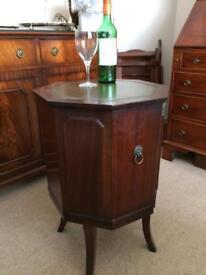Mahogany Drinks/cocktail Cabinet