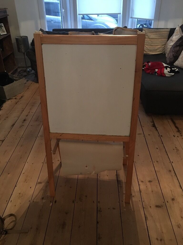 Black/White boardin Plymouth, DevonGumtree - Childrens black/white board for sale. My son has outgrown this so needs a new home. Collection only. Please contact Oliver for further information