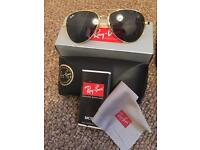 Ray ban sunglasses boxed cloth pouch gold