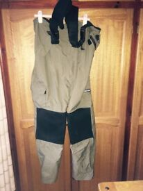 Ron Thomson Bib & Brace Fishing Clothing - £20