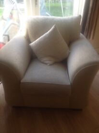 Lovely 3 seater and 2 chairs
