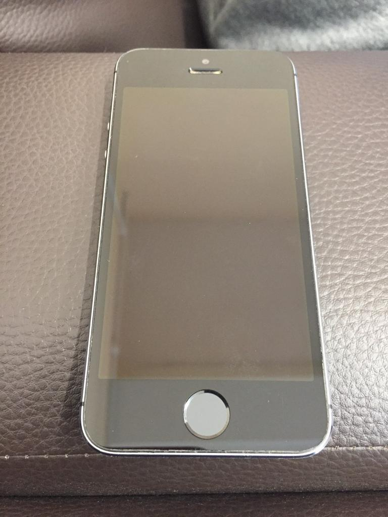 APPLE IPHONE 16GB SPACE GREY VODAFONEin Chesham, BuckinghamshireGumtree - Apple IPhone 5S 16GB Space Grey Vodafone For Sale•Comes With Charger •Presented In Space Grey•16GB•Near Enough Mint Condition Has Got Few Marks Barely Noticeable •Touch Id Has Stopped Working Was Working Fine Before Im Looking For £95 ONO...