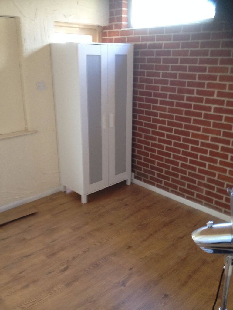1 BED FLAT TO RENT IN ROMFORD FOR £1100PCM! ALL BILLS INCLUDED. 15 MINS TO ROMFORD STATION.