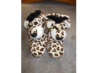 Brand new slipper boots size 7/8