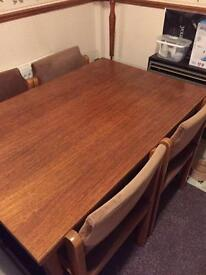 Retro Style Extending Table