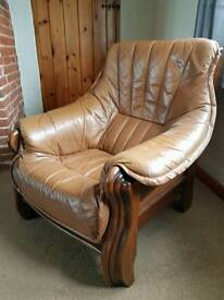 ******LEATHER & OAK ARM CHAIR******
