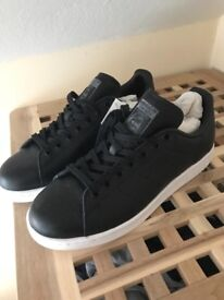 Adidas Stan Smith Size 7 men's Black leather shoes