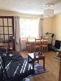 Super large double bedroom near the University Bills inclusive