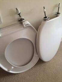 2 new Toilet Seats (white) standard - with fittings