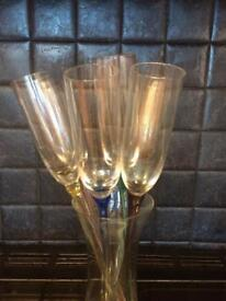 Champagne flutes and holder large