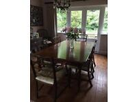 Victorian mahogany table and 6 leather seated chairs