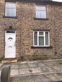 £137pw / £595pcm - Large 3 Bed House Clean NEWSOME good location schools shops ...
