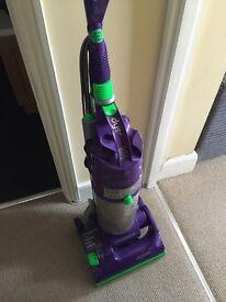 Dyson DC 04 Vacuum Cleaner - £10