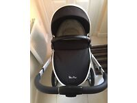 Silvercross surf pram, carry cot, car seat and isofix base