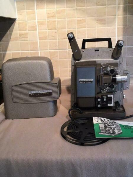 LOVELY QUALITY BELL & HOWELL CINE PROJECTOR BOXED PAT TESTED  , used for sale  Doncaster, South Yorkshire