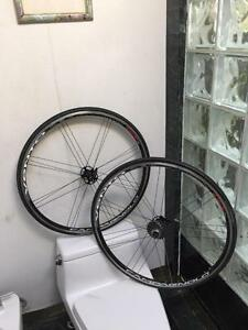 CAMPAGNOLO VENTO REACTION WHEELSET - 10 SPEED CLINCHER