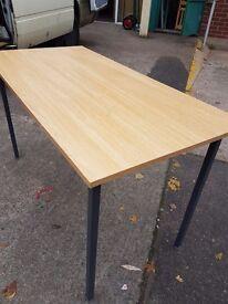 Oak effect office table / Thin Grain Oak effect offcie table 4ft by 2ft