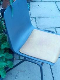 PLASTIC FUNCTION CHAIRS