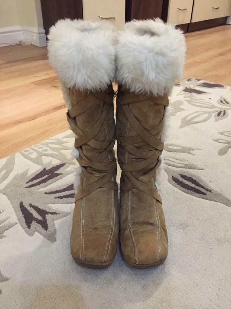 Tan, Light Brown Winter Boots, Size 5, Good Condition