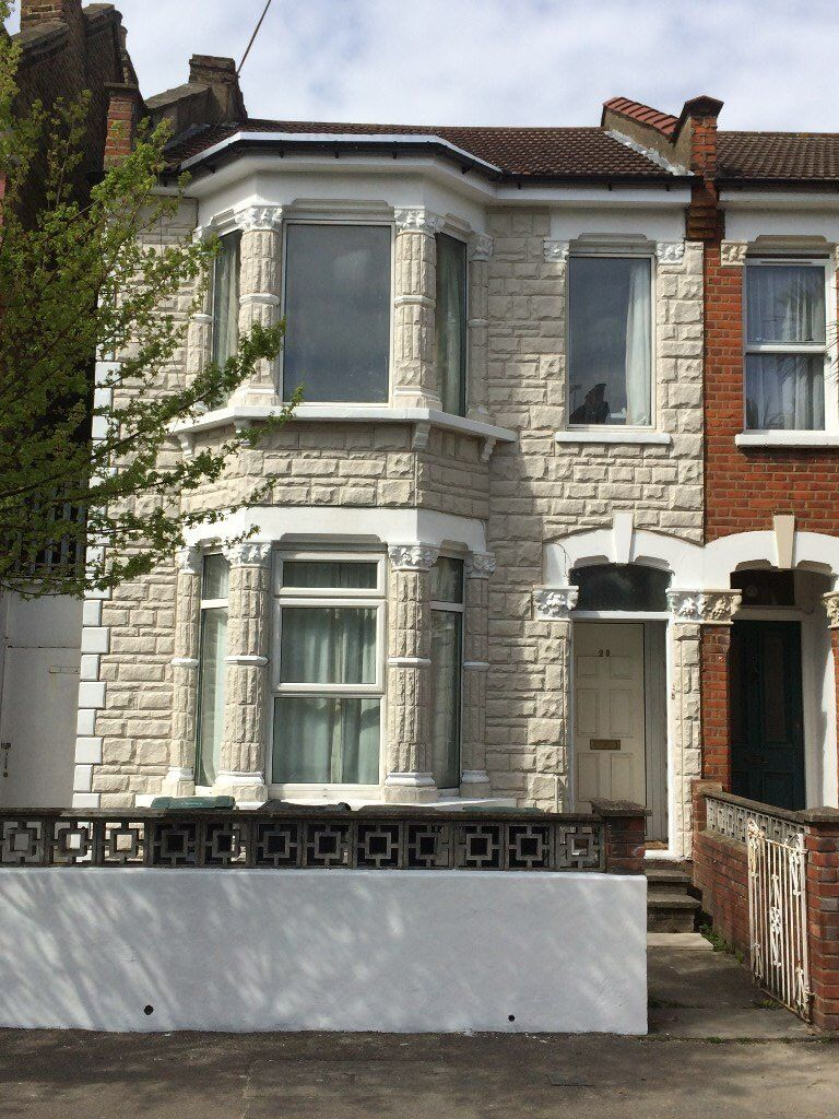 Large and Spacious 4 Double Bedroomed Refurbished Garden Flat. North London. Picc. Line