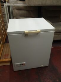 frigidaire 750mm wide chest freezer with internal light and 2 baskets