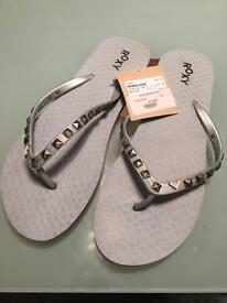 ROXY flip flops - UK size 8/9