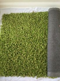 A lovely grass look rug++ideal for unisex use++100x150cm++RRP £59 ++ ONLY £20
